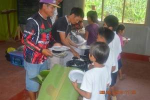 CARMEN FEEDING PROGRAM (2)