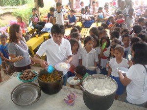 MAGAPALWAY FEEDING PROGRAM(2)