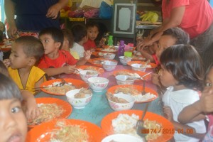 MAGDUG FEEDING PROGRAM (2)